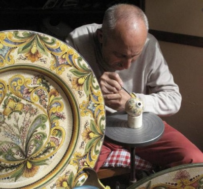 erice_majolica_painter_400